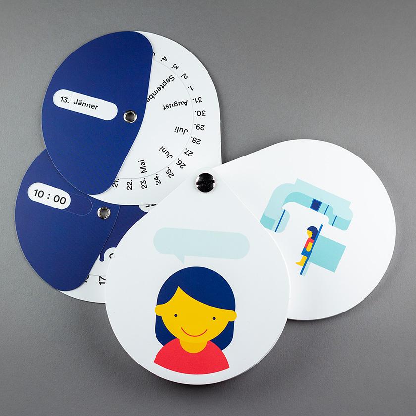 Talking in Symbols Kartenfächer mit Dialogsituation auf 4 Karten: Mädchen, Datum und Uhrzeit und Darstellung CT-Untersuchung